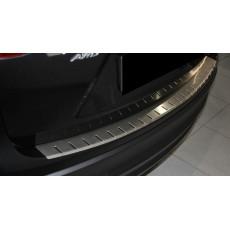 Накладка на бампер с загибом для BMW X3 E83 FL 2007+