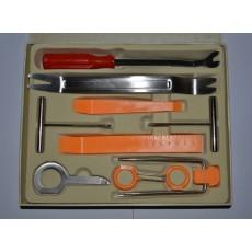 Большой набор инструментов для демонтажа обшивки салона и головных устройств автомобиля