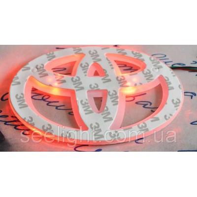 Автомобильный логотип Toyota 13*9см. светящаяся подкладка, белый/красный